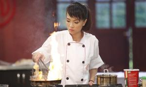 'Hot girl Ngân hàng' chiến thắng 'Vua đầu bếp 2014'
