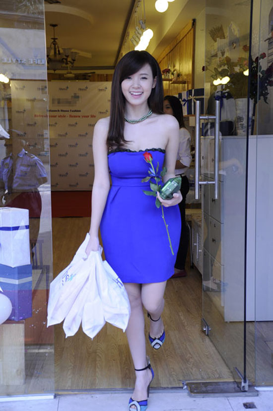 hot-girl-khoe-thanh-qua-di-mua-1176-4783