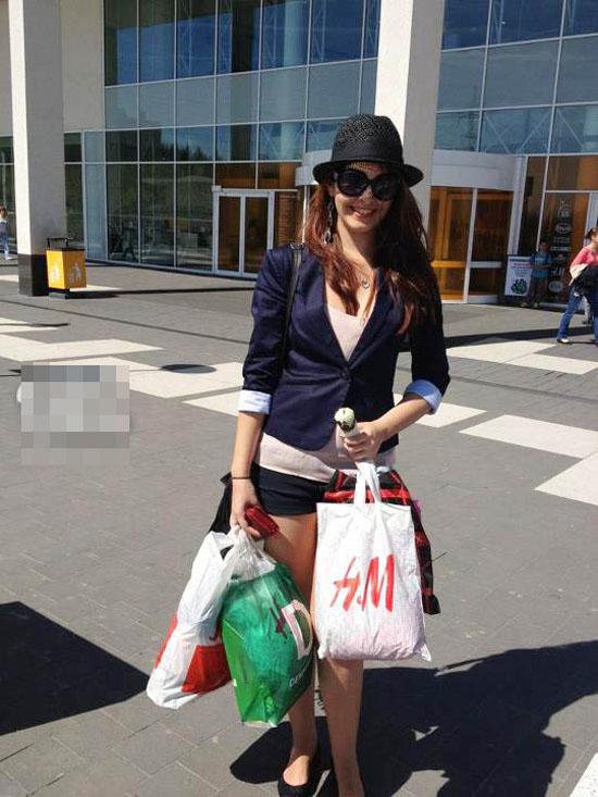 hot-girl-khoe-thanh-qua-di-mua-6223-1266