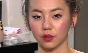 Sao Hàn kém hoàn hảo khi lộ mặt mụn