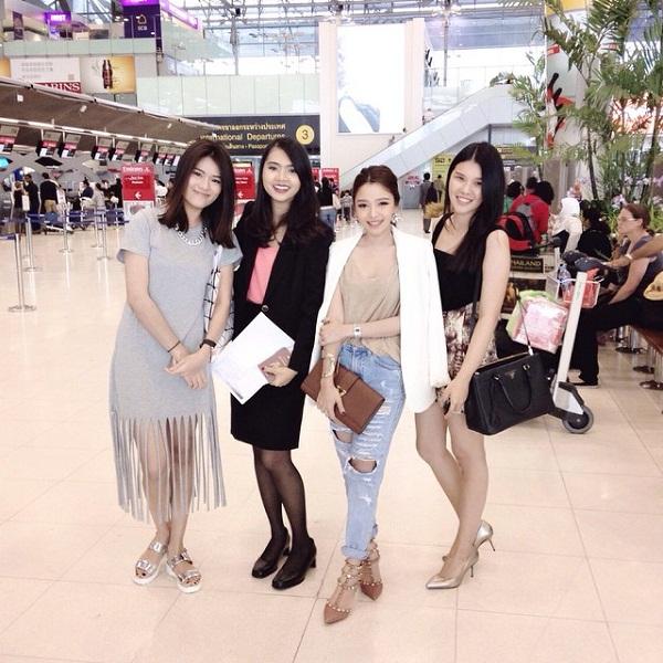 Loukkkkkaew cùng bạn bè thường xuyên bay đi các nước, đặc biệt là Hàn Quốc để cập nhật những xu hướng hot nhất.