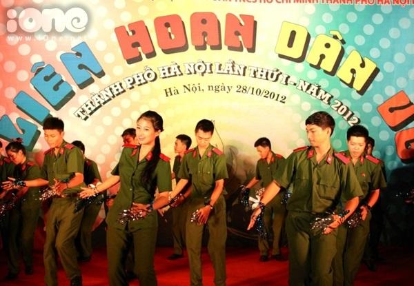 Thuy-Trang-iOne-7-7124-1415873580.jpg