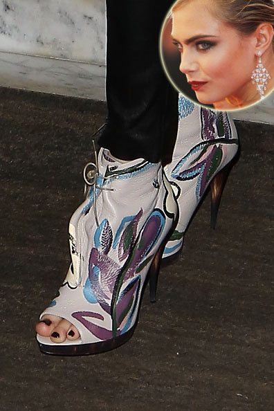 cara-delevingne-crazy-shoes-co-9735-4378