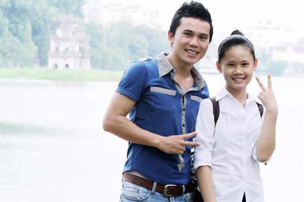 Anh Tú đăng bức ảnh hai bố con chụp chung vào năm Linh Nhi học lớp 8. wushu Thúy Hiền.