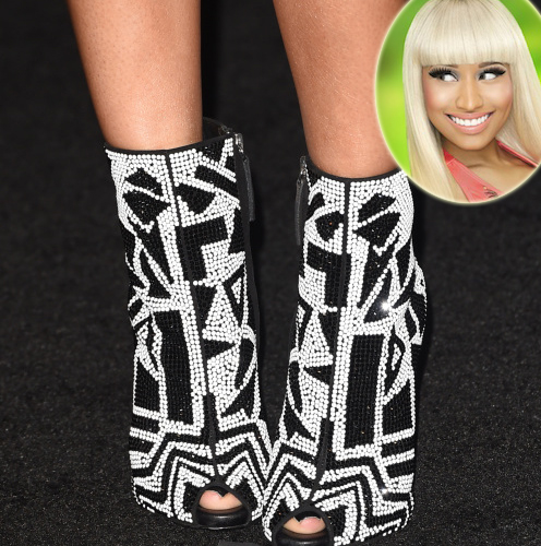 nicki-minaj-crazy-shoes-copy-5057-141586