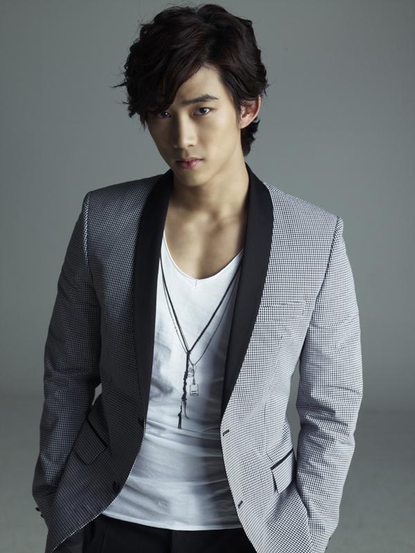 2PM-Taecyeon-1371405008-af-org-2080-1416