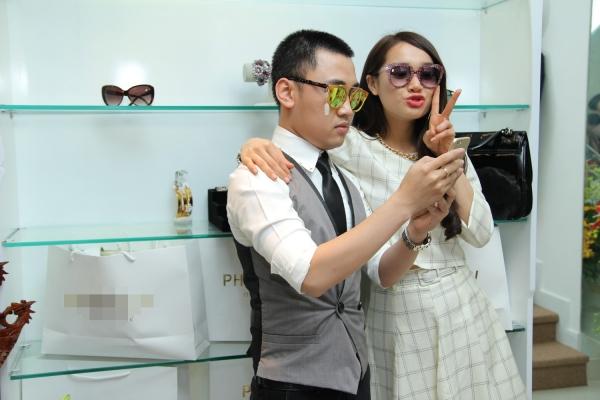 Nàng Thêu của Vừa Đi Vừa Khóc vừa hoàn tất các cảnh quay cuối cùng tại Hàn Quốc với bộ phim Tuổi Thanh Xuân