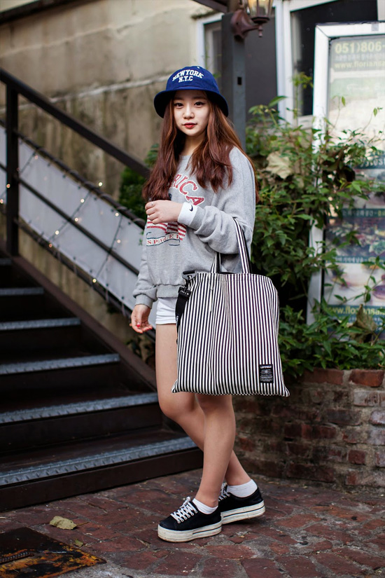 On-the-street-Jieun-Yang-Busan-3837-1416