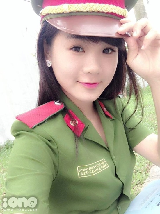 cap-doi-hot-girl-canh-sat-3-1445-1416385
