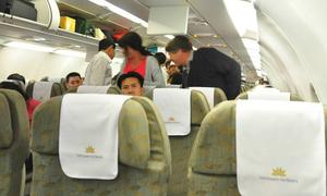Hành khách nam nữ xô xát trên máy bay Vietnam Airlines