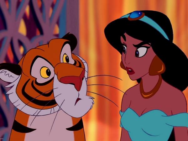 Công chúaJasmine quá sức cá tính khi có hẳn mộtchú hổ tênRajahlàm thú cưng.