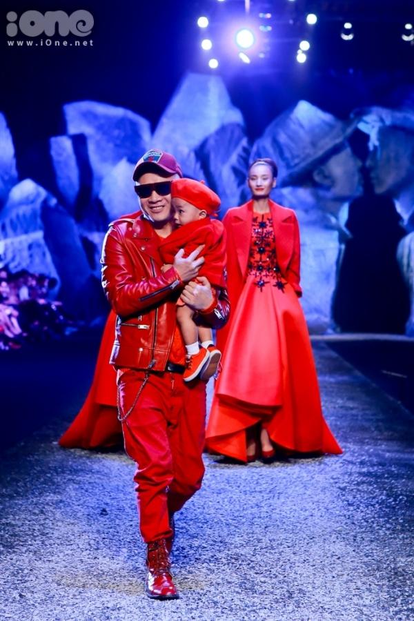 Hoàng Phúc được Đỗ Mạnh Cường nhận nuôi từ một ngôi chùa. Nhà thiết kế từng bày tỏmong muốnđịnh hướng con traitrở thànhmột fashionista trong tương lai.