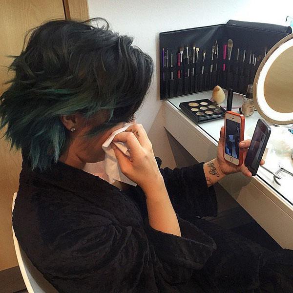 Demi-Lovato-got-emotional-whil-2902-8591