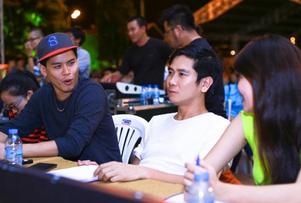 Nhạc sĩ Hồ Hoài Anh và biên đạo múa Huy Trần làm ban giám khảo cho phần thitìm kiếm tài nănglĩnh vực âm nhạc, vũ đạo nằm trong khuôn khổ chương trình. Ảnh: Nhân Võ.