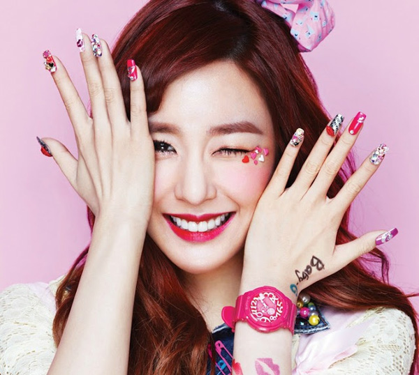 SNSD-Tiffany-Nails-4640-1417785557.jpg