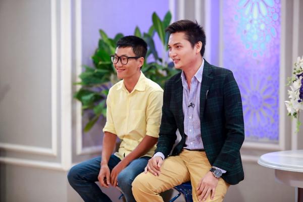 Khách mời của tập là nhà báo Phan Anh (phải) vàchuyên gia thương hiệu cá nhân Mã Siêu - người từng quản lý cho hoa hậu Jennifer Phạm, Ngọc Diễm.