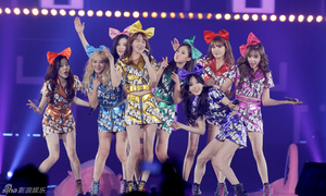 SNSD khóc nức nở với 8 thành viên tại concert trong mơ