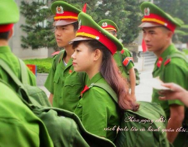 Ngày thi đại học, Nguyệt chỉ thi duy nhất trường Học viện Cảnh sát và đã đỗ với số điểm khá cao 27,5.