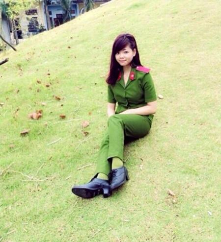 Cấp 3, cô bạn là học sinh lớp chuyên Sử, trường THPT Hùng Vương, Phú Thọ.
