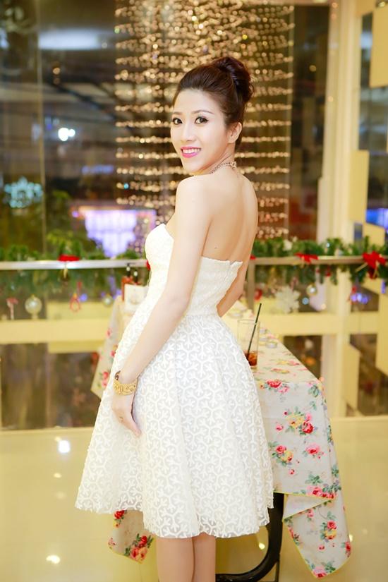 Ngoài ra, Trang Pháp cũng đang trong thời gian hoàn thành single kết hợp với ê-kíp Hàn Quốc. Dự án này hứa hẹn sẽ mang đến một màu sắc mới lạ và nhiều bất ngờ trong sự nghiệp ca hát của Trang Pháp.