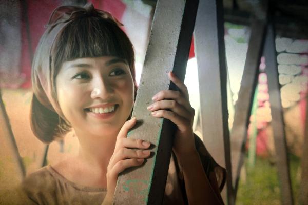 Ngô Thanh Vân và Lê Khánh đảm nhận vai chính, bên cạnhảothuật gia Petey Nguyễn.