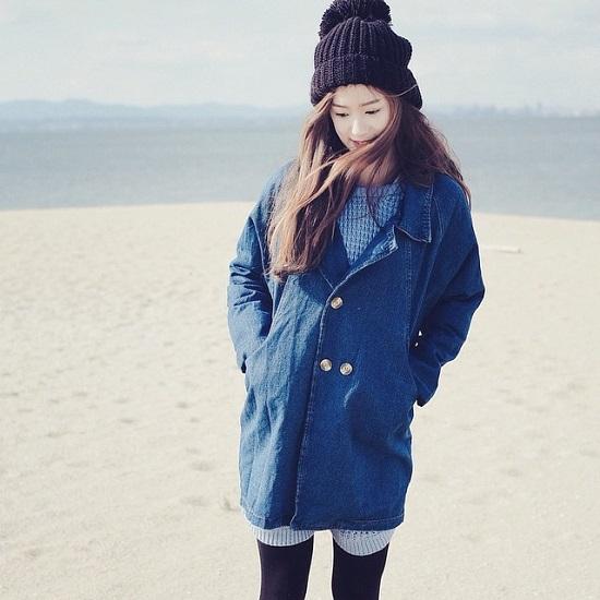 Nhờ làn da trắng sáng cùng vẻ ngoài dễ thương mà shop mỹ phẩm online của cô nàng ăn nên làm ra, được nhiều người biết đến.