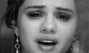 Selena Gomez nức nở vì tình trong tiệc sinh nhật của Taylor Swift