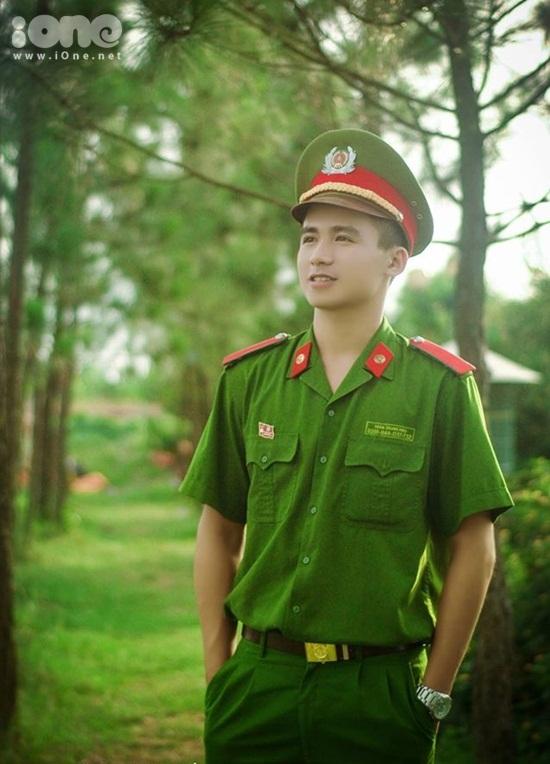 hot-boy-canh-sat-Trung-Hieu-iO-7978-7013