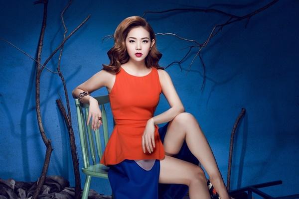 Thừa thắng xông lên, Minh Hằng tiếp tục giới thiệu MV Anh Ở Đâu, Ngày Anh Đi... được trích trong album vol.2 và được yêu thích cuồng nhiệt.