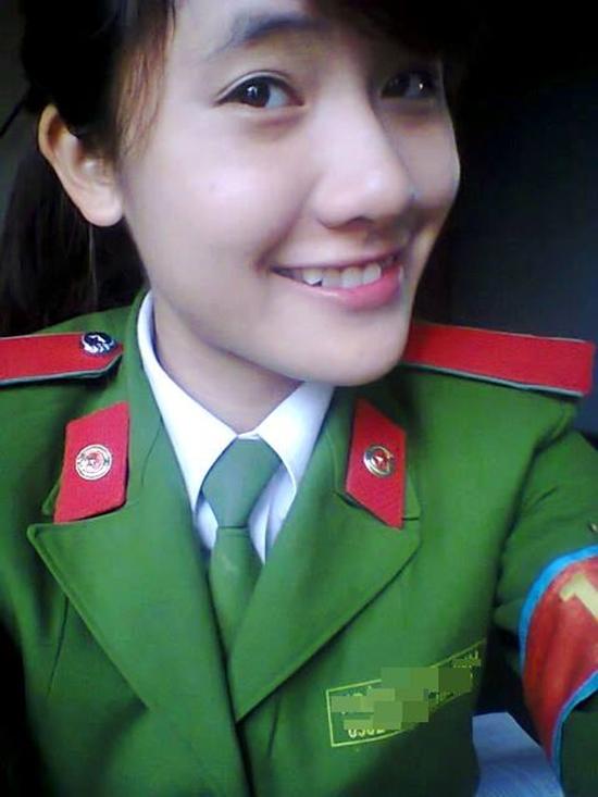 Từ nhỏ Linh ước mở một quán cafe miễn phí và trở thành một nữ cảnh sát giỏi trong tương lai.