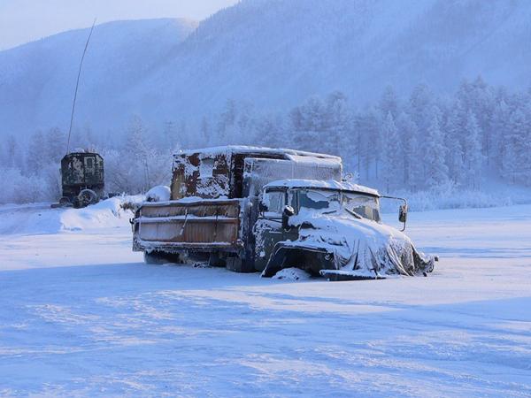Ô tô phải được giữ nguyên trạng thái nổ máy khi để ngoài trời hoặc phải đậu trong gara có hệ thống sưởi nếu không sẽ không khởi động lại được.