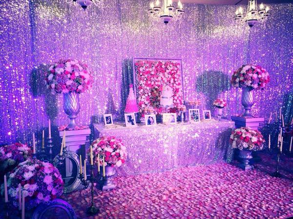 Không gian lãng mạn tại địa điểm tổ chức lễ đính hôn của đôi uyên ương.