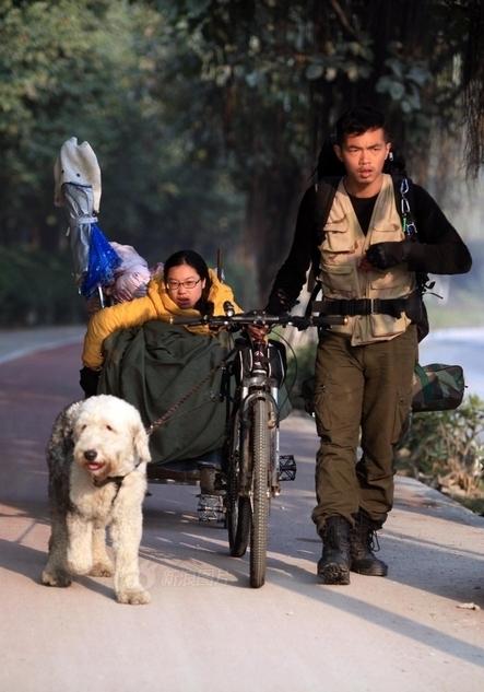 chang-trai-keo-xe-lan-dua-ban-3906-9454-