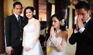 Tâm Tít diện váy cưới cực xinh, cùng chồng làm lễ ở chùa
