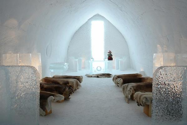 Một giáo đường nhỏ dành cho các cặp đôi muốn ghi dấu ngày trọng đại trong một khung cảnh   thần tiên.