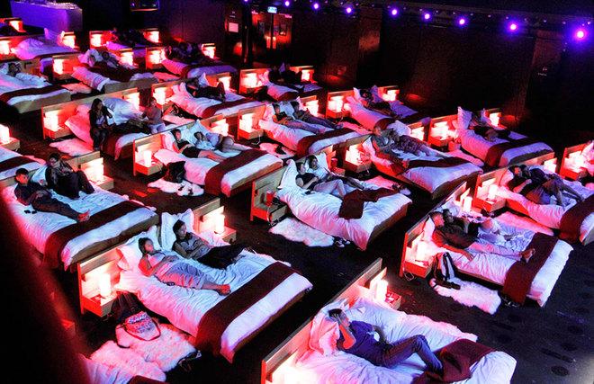 awesome movie theater 2 1421231389 660x0 - 13 rạp chiếu phim hiện đại siêu đẹp khiến teens mê tít.
