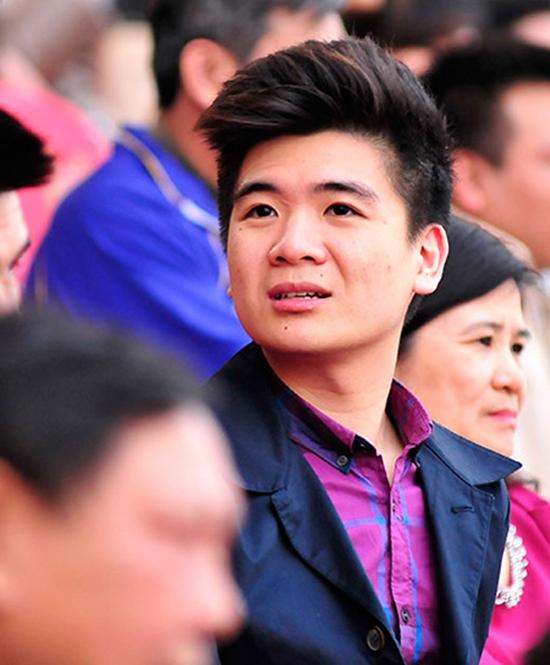 Đỗ Vinh Quang từng tốt nghiệp Đại học tài chính ngân hàng ở Anh. Anh chàng được kỳ vọng sẽ tiếp quản công việc của gia đình, trong đó có việc đầu tư vào bóng đá.