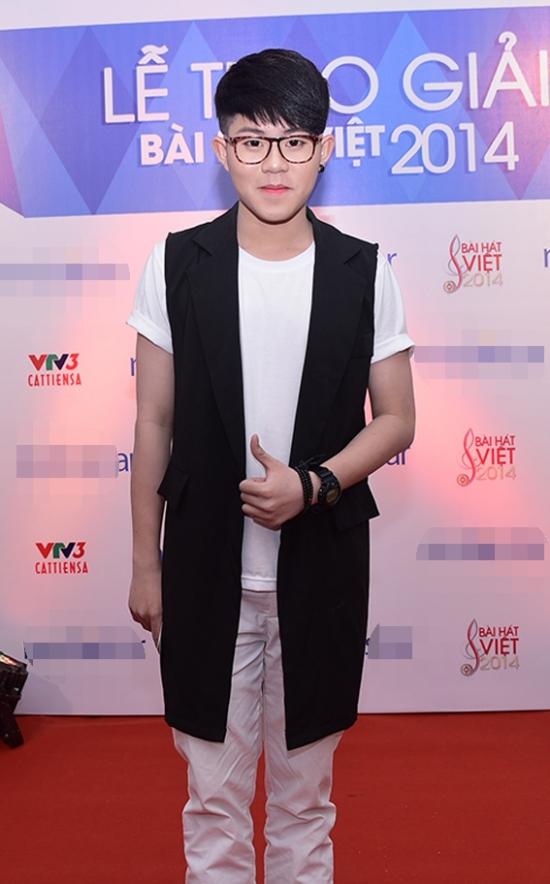 Ca sĩChí Thành X-Factor cũng là khách mời chương trình.