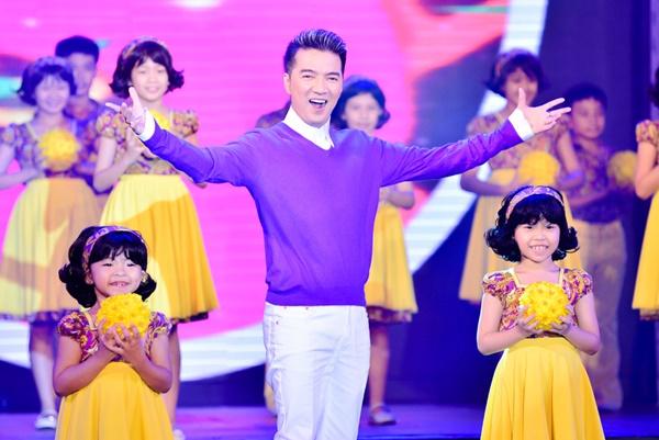Xuân họp mặt của Đàm Vĩnh Hưng cực kì nhộn nhịp và ý nghĩa cùng với ABC Kids