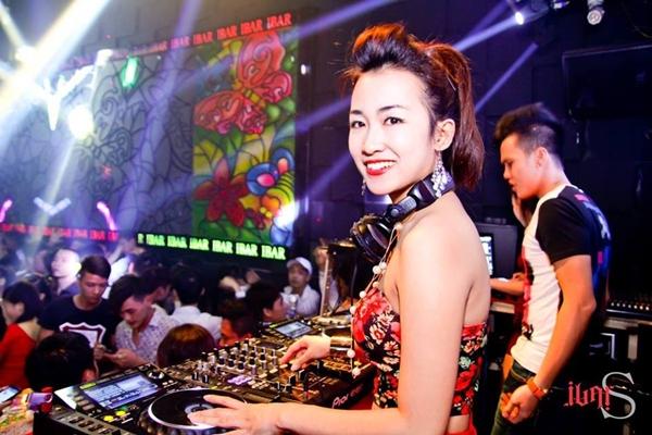 10 bí mật của nữ DJ Trang Moon khiến dân mạng chao đảo