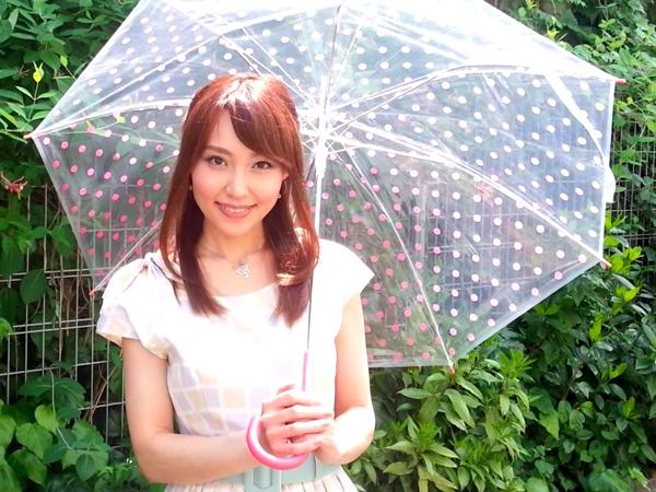Yuko Nakagawa từng dạy tiếng Anh cho học sinh trung học phổ thông, làm việc trong một công ty thương mại quốc tế trước khi đến với truyền thông đại chúng để thỏa mãn sở thích nói trước đám đông. Yuko từng là phát thanh viên bản tin buổi sáng của đài NHK và sau đó trở thành phát thanh viên bản tin dự báo thời tiết Morning Tenki trên đài TBS.