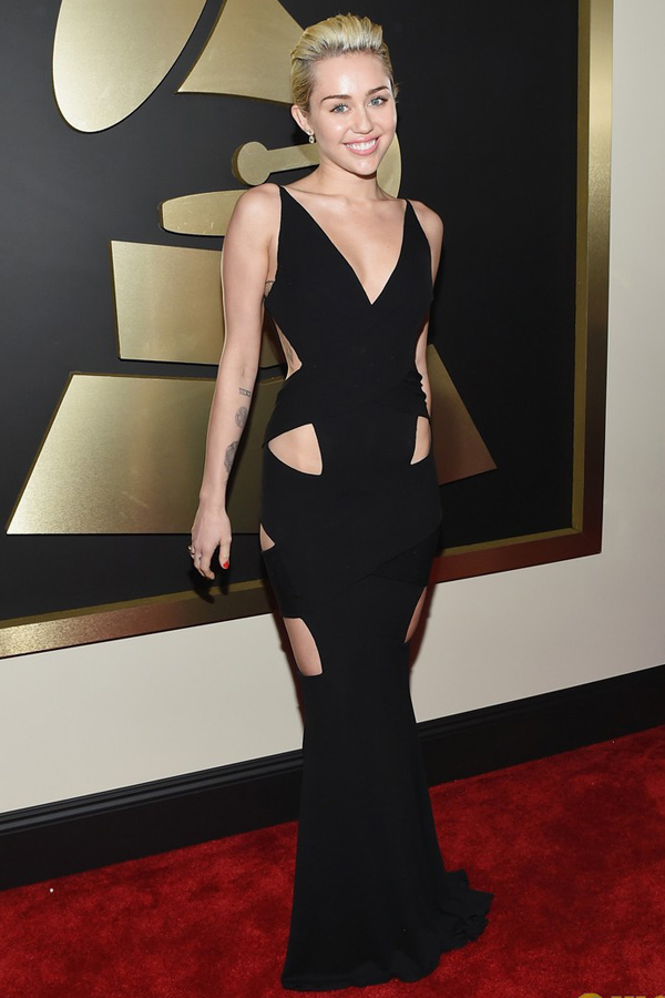 miley-cyrus-grammys-2015-red-c-8133-9955