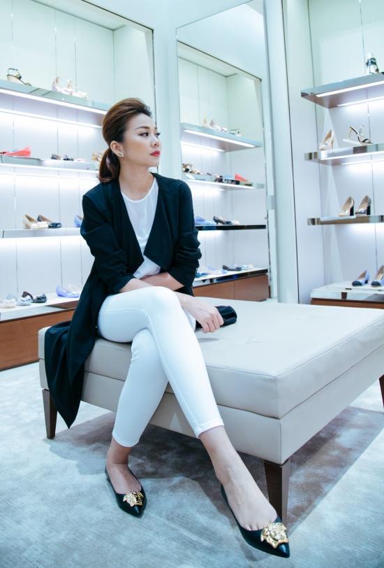 Thanh Hằng vừa nhận được lời mời sang Mỹ tham dự tuần lễ thời trang New York từ ngày11/02 đến 17/02.