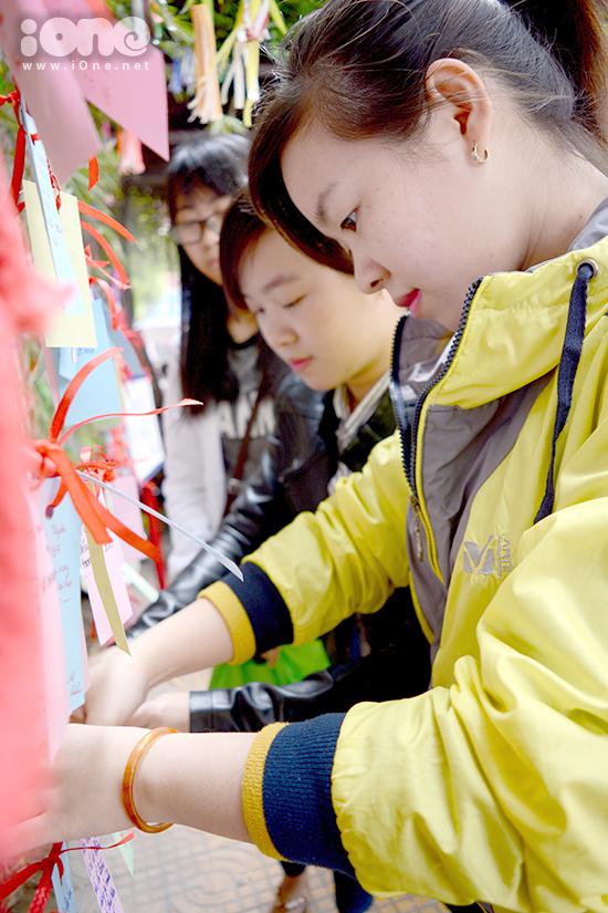Lễ hội Mùa xuân  Haru Matsuri vừa diễn ra vào đầu tháng 2, gồm nhiều hoạt động giao lưu và giới thiệu văn hóa Nhật Bản tại TP. Đà Nẵng. Ý tưởng thực hiện giá treo điều ước được Câu lạc bộ Văn hóa Việt - Nhật: Tsubasa Club, Trung tâm Nhật ngữ Đông Du  tại Đà Nẵng... thực hiện.  Hình 2  Sau lễ hội, giá treo hơn 1000 mẩu giấy ghi điều ước của các bạn trẻ, trong đó có rất nhiều teen, được lưu giữ tại