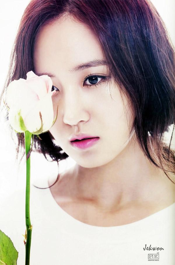 sao-han-son-hong-4-7190-1424921372.jpg