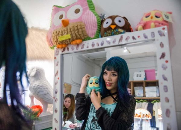 owl-cafes-japan-8-7471-1425013598.jpg