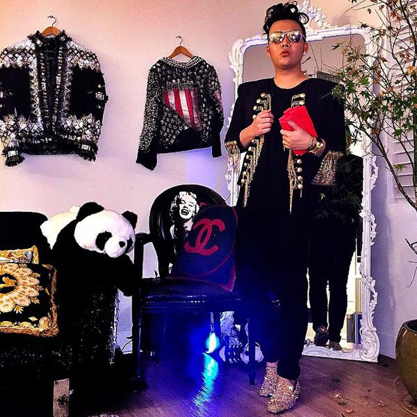 4. Kane Lim, 25 tuổi, xuất thân từ một gia đình doanh nghiệp giàu có. Theo học ngành thời trang ở   ĐH California, Kane Lim khởi nghiệp kinh doanh ở tuổi 17 và nhanh chóng kiếm được hàng triệu   đô khi mới 20.