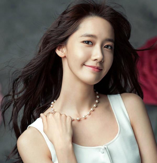 yoon-ah-tae-yeon-hinh-tap-chi-3731-9428-