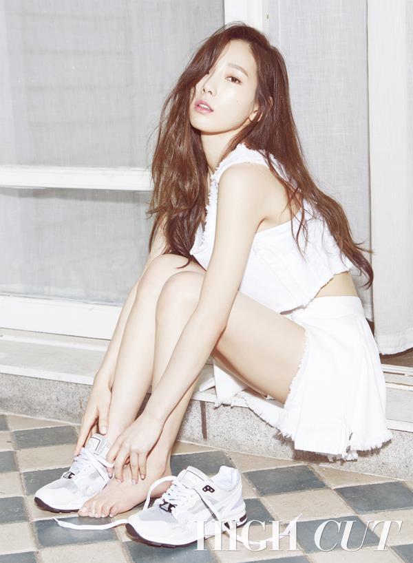 yoon-ah-tae-yeon-hinh-tap-chi-9386-5293-