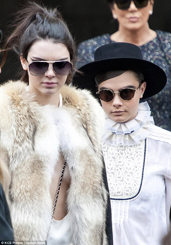 kendall-jenner-ao-co-rong-5-3587-1426057